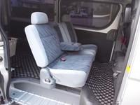hiace-seat.JPG